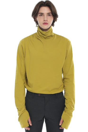 turtle neck hand warmer sleeve t-shirt mustard